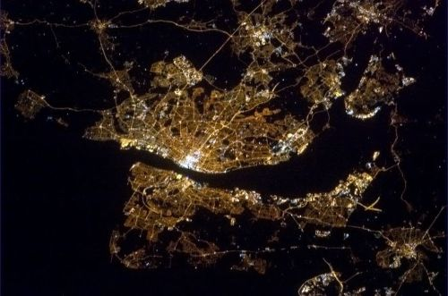 This is the city, lit up in the night.  The Mersey River divides New Brighton and Liverpool.  So beautiful.