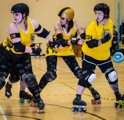 Roller derby skills: ploughing